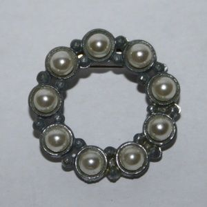 Vintage silver and pearl brooch